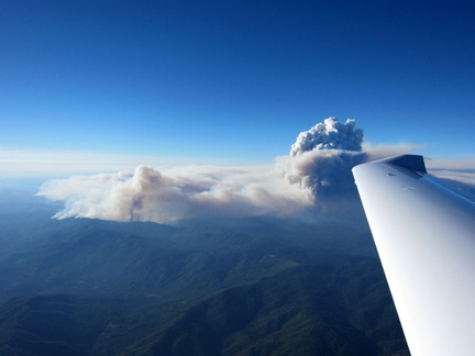 04 - Yosemite Fire from S 2 hrs later.JPG