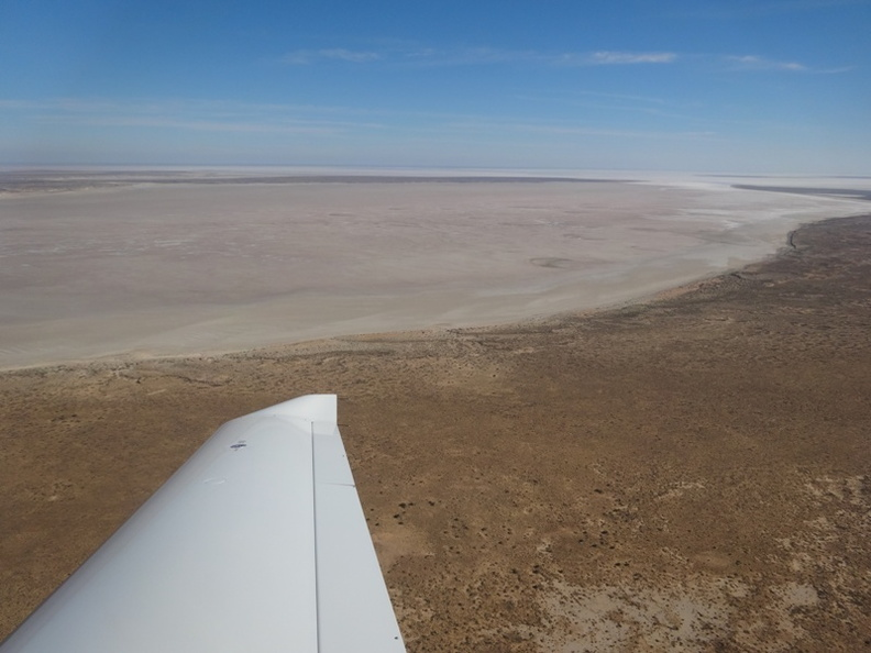 Lake Eyre 8.jpg now empty.jpg